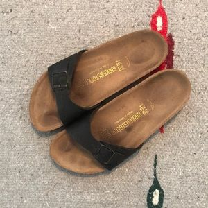 Black Single Strap Birkenstock's - SZ 38 / 7.5-8